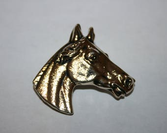 Vintage goldtone horse head brooch. Stately horse pin for the horse lover.