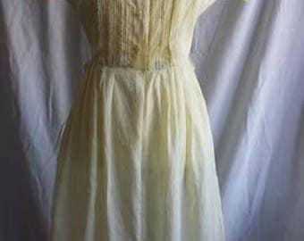 1950s light cotton soft yellow shirt dress