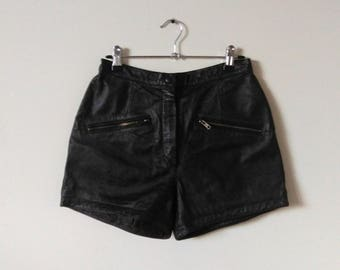 Leather shorts/ black shorts/ / vintage clothing/1980s /woman clothing/ zipper front/high waisted/ motorcycle shorts