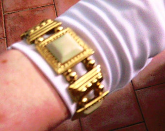 Beige and gold square bracelet / S 80 Monet