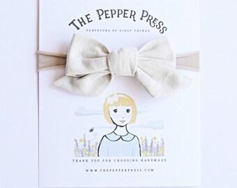 Pinwheel Hair Bow in Stone Linen - The Pepper Press