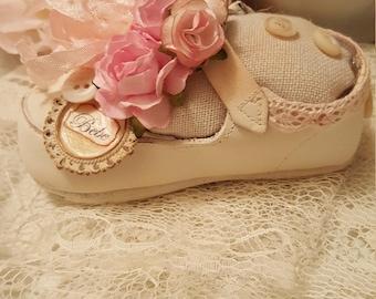 Vivid Pink Vintage Mary Jane Baby Shoe/Pincushion