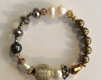 Renaissance Influenced Continuous Stretch Bracelet