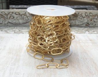 Hammered Oval Large Link chain in Matte Gold 22mmx11mm