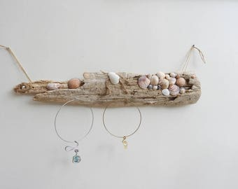 Beach style jewelry display
