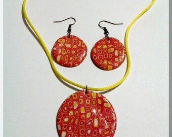 Set necklace earrings ears round of red, yellow, orange
