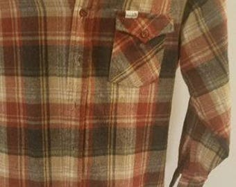 Vintage 70s Wrangler wool/acrylic blend button up shirt *MADE IN USA*