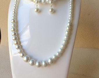 Cream glass pearl beaded bracelet, necklace and earrings set Handmade