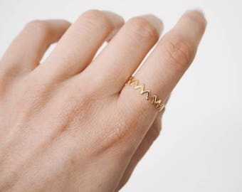 Zigzag ring, Delicate ring, Gold ring, Delicate gold ring, stackable ring, R088
