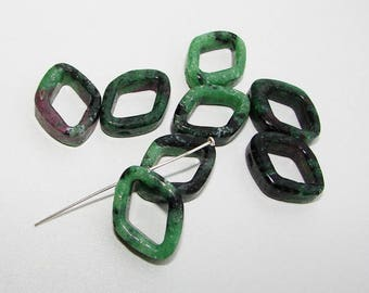 Zoisite Ruby diamond 20mm semi-precious stones. (9211289)