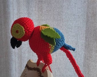 MACAW Parrot - crochet - can be placed on a windowsill