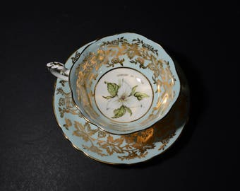 PARAGON Flower of Ontario, Trillium, Footed, Tea Cup & Saucer Set, widemouth, To Her Majesty the Queen, Bone China, Blue, Gold, White flower