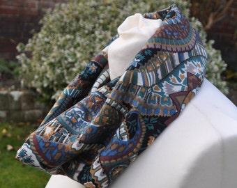 Cowl/snood infinity in Liberty Varuna Wool, Collier Campbell Bazaar paisley