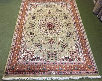 20% OFF!! (188 X 123 Cm) Vintage Rug, Persian Design Pakistan Soft Wool Floral Rug.