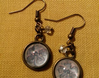 Earings with 12mm diameter glass cabochon