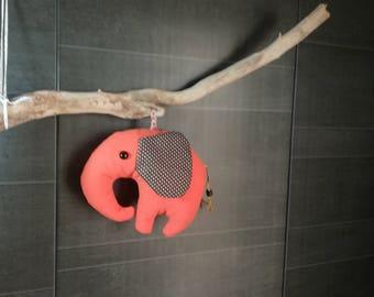 Suspension : Éléphant orange et marron, queue perle de bois