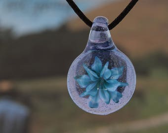 Flower glass pendant necklace