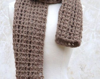 Crochet scarf in mink with pure wool
