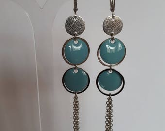 Earring chain and blue sequins