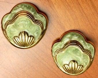 Avon-Mint green-seashell earrings-gold tone-pierced earrings-push back backing