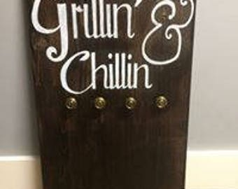 Grillin' & Chillin' sign