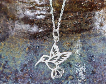 Sterling silver Hummingbird necklace - Hummingbird necklace - Hummingbird jewelry - Bird lover gift - Small necklace - Hummingbirds