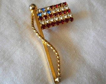 VINTAGE Red White & Blue Rhinestone Flag in Metal Costume JEWELRY Brooch