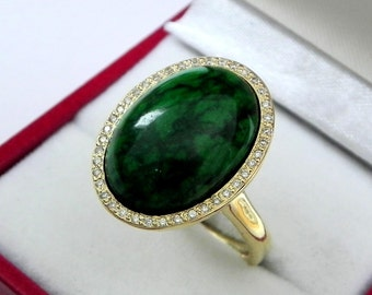 AAAAA Maw sit sit Jade Albite Chloromelanite 18 x 13mm  9.16 Carats   14K Yellow gold Diamond halo cabochon ring. 1504