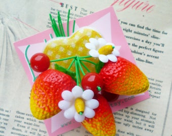 Summer Strawberry blossom! Handmade 40s 50s confetti lucite style novelty yellow gingham brooch and optional earrings by Luxulite
