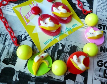Dancing Bananas! 1940's inspired fruit salad necklace - vintage style anthropomorphic fruit handmade by Luxulite