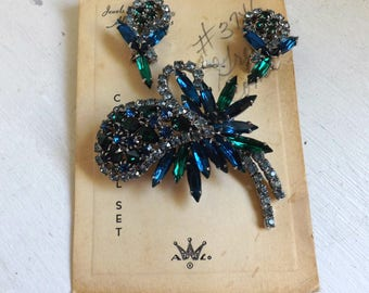 Vintage blue green Weiss rhinestone brooch pin and earrings set orchid flower new old stock dimensional articulated original card
