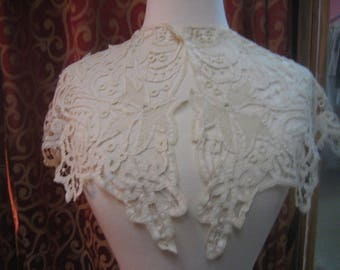 "1910's, 21"" across shoulders, off white hand made Battenberg lace Bertha collar"