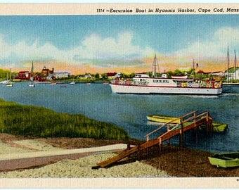 Vintage Cape Cod Postcard - A Sightseeing Boat in Hyannis Harbor (Unused)