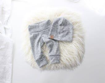 Cozy grey newborn outfit | baby leggings | baby slouch beanie | grey baby outfit | newborn baby | unisex baby