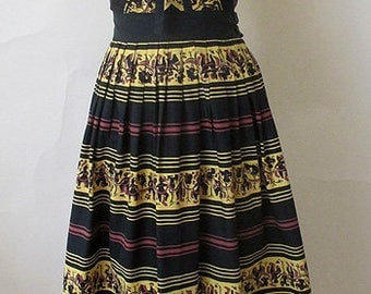 Adorable 1950's Novelty Print Two Piece Strapless Dress Vintage skirt and Buster Set rockabilly Pinup girl Size Small