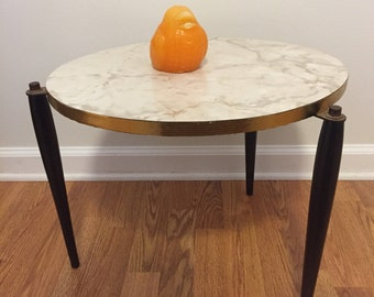 Oval Table, MCM 3 LEG TABLE, Mid Century Modern Accent Table, Oval Mid