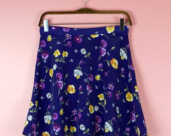 Early 90s Vintage High Waist Flouncy Floral Skater Skirt - Small - Size 6