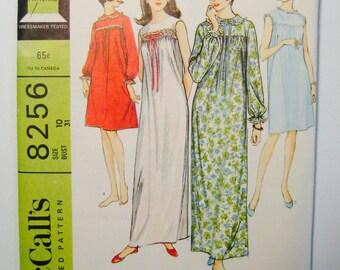 McCalls 8256 - UNCUT - Size 10 - Bust 31 - Nightgown Pattern - Sleepwear - Round Neckline - Excellent Condition