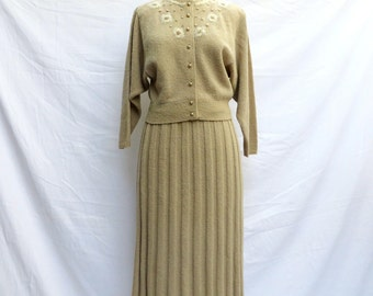 Vintage 1950's/Light Beige Wool Sweater and Skirt Set/Kimberly Knits/Ecru Sweater and Skirt Ensemble/Cardigan Skirt Set/Medium-Large
