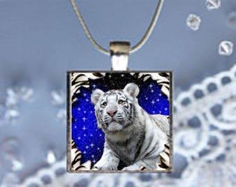 Pendant Necklace White Tiger
