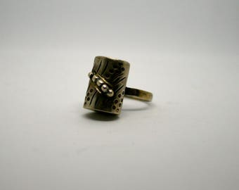 Vintage Ring / Silver Log and Caterpillar Ring / Women Girls Jewelry / Retro Accessories