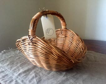 Fabulous High Quality Vintage wicker flower basket / My French Home / My Vintage Home