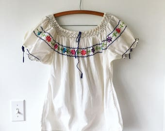 Vintage Hungarian Embroidered Peasant Blouse , BOHO Summer Top