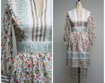 Vintage 1970s Dress • Autumn Fields • Floral Striped 70s Day Dress Size Medium
