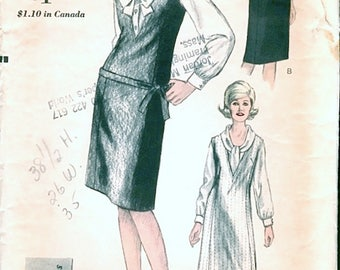 Great Mod Vintage 1960s Vogue Young Fashionables 6239 Slim V Neck Jumper Dress and Tie Collar Blouse Sewing Pattern B34