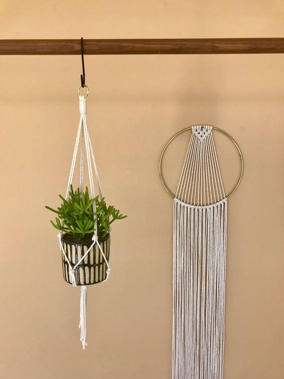 "Macrame Plant Hanger - 20"" Simple Mini"