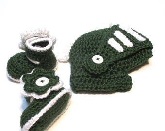 Made in Michigan State Green and White knight hat and matching booties.  Made to order.  State baby fan.