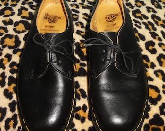 Vintage Dr Martens Black Oxfords Shoes UK 7 US Men's 8 US Women's 9 leather rockabilly psychobilly greaser docs dr martins swinger England
