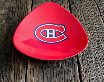 Montreal Canadiens Dish - Vintage Plastic Montreal Canadiens Hockey Dish - Ornamold Dish - Canadian Hockey Team Plate
