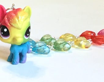 Prisman Highhoof - LPS Horse Necklace with Rainbow Heart Jewel Beads